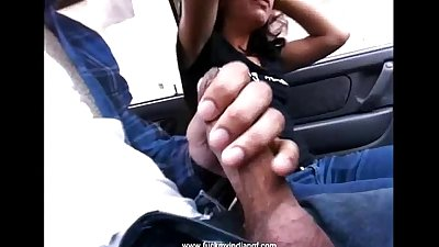 Indian gf sucking her boyfriend meaty wood in car